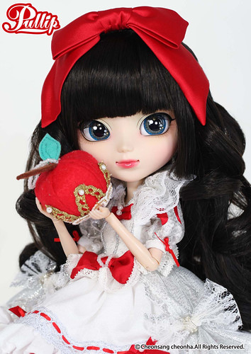 Pullip Snow White