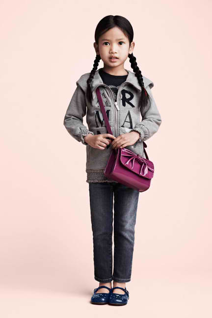 armanijuniorgirlwithpinkbag