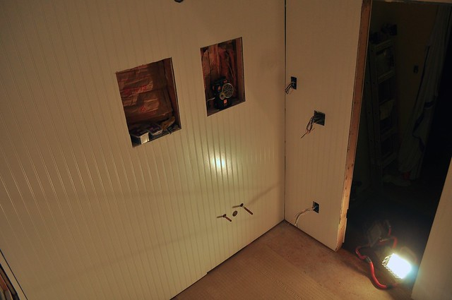2012-02-23 Bathroom bead board 02
