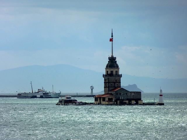 Istanbul - avril 2012 - jour 6 - 165 - Tour de Léandre (Kız Kulesi)