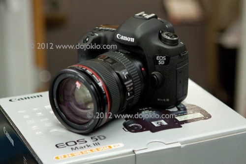 Canon EOS 5D Mark III Mk 3 unbox unboxing box package