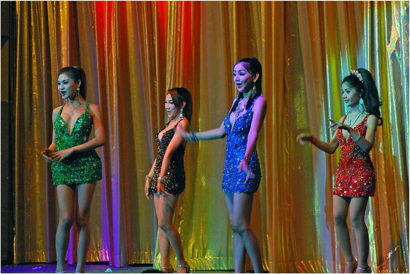 人妖歌舞表演 2