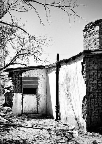 Abandoned restaurant on Route 66 in New Mexico. Copyright Jen Baker/Liberty Images; all rights reserved.