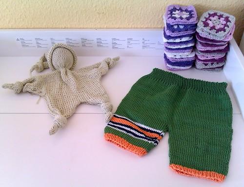 Granny Squares / Babyhose/ Knotenpüppchen