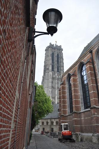 2012.04.29.280 - MECHELEN - Minderbroedersgang - Sint-Romboutskathedraal