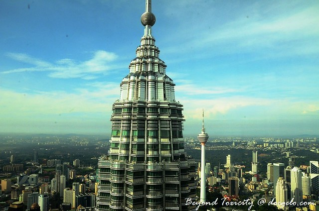 petronas twin towers by docgelo.com