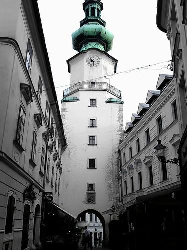 Eslovaquia (Bratislava: Danubio, Catedral, Novy Most, Castillo, Palacio, Casco Histórico, etc).