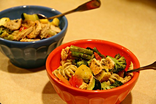 roasted veggie chicken pesto pasta salad