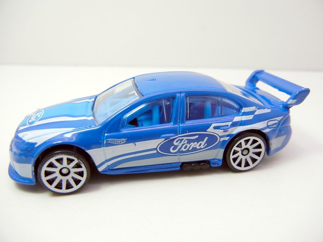 HOT WHEELS FORD FALCON RACE CAR (3)