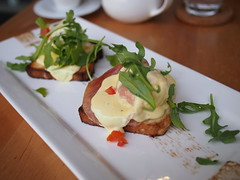 Eggs benedict, The Tastings Room