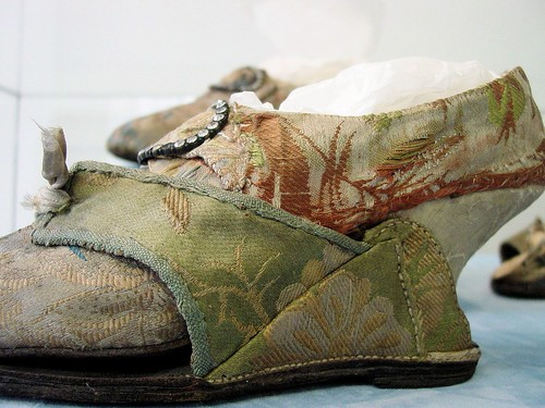 Silk brocade covered shoe and pattern