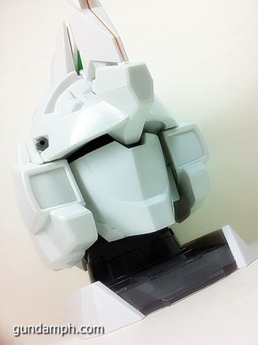Banpresto Gundam Unicorn Head Display  Unboxing  Review (50)