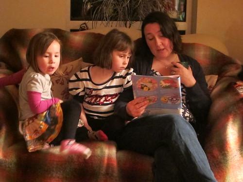 Reading with Mummy by Tom Fairfax