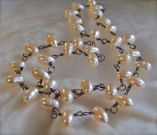 Peach Pearl & Niobium Necklace by WETCLOUD