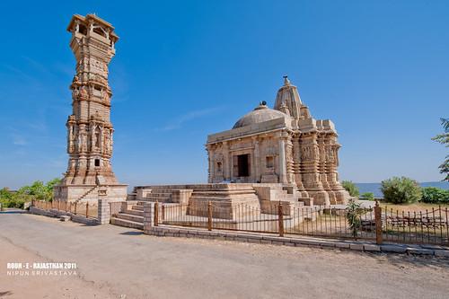 The Kirti Stambh and the Mira temple.