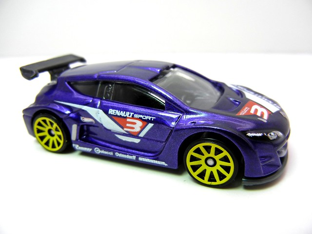 hot wheels meghane trophy purple (2)