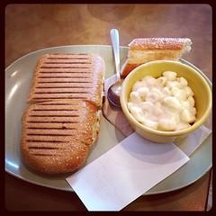 Tomato Mozzarella Sandwich and Mac and Cheese