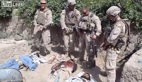 US-Marines-urinating-on-Taliban
