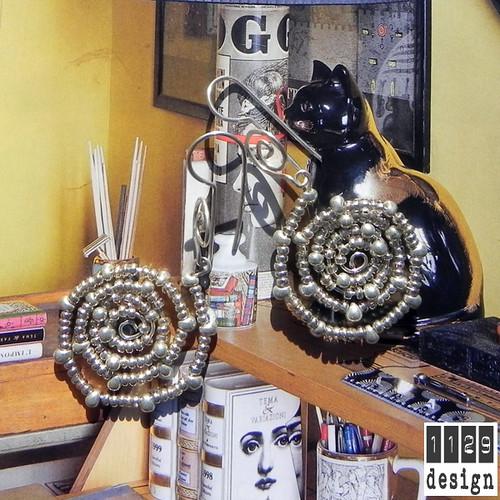 orecchini-spirale-perline-gancio-beaded-silver-earrings-1129design