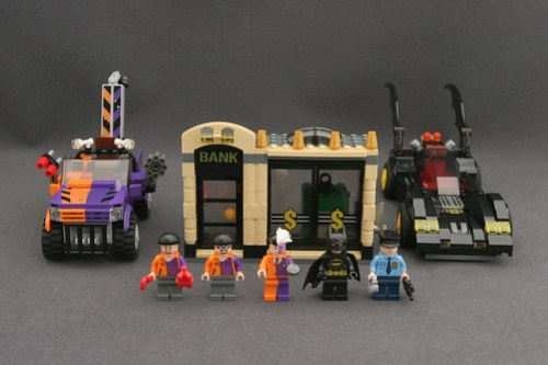 6864 The Batmobile and the Two-Face Chase 1