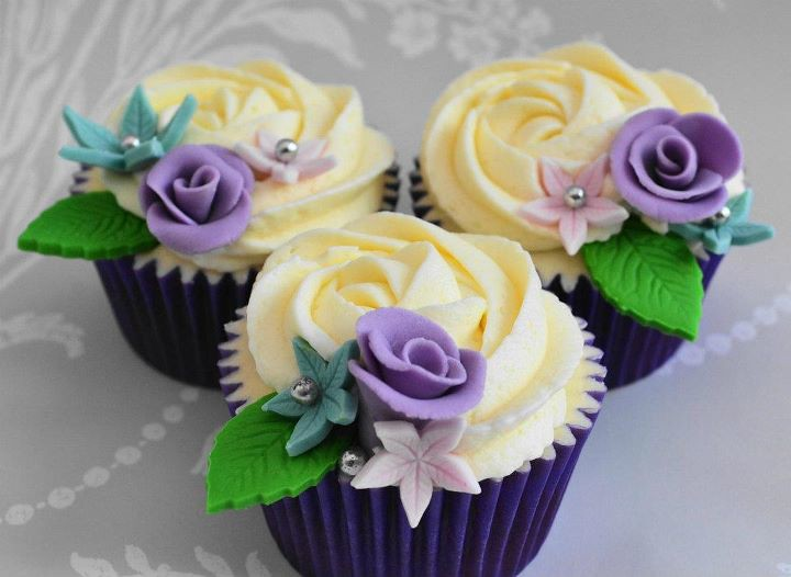 Beautiful Flower Cupcakes By Hundreds And Thousands