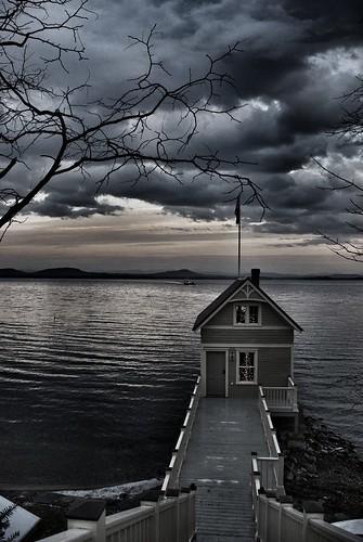 Rosslyn boathouse, January 8, 2012 (Photo credit: Glenn Estus, via Flickr)