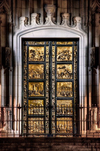 "Gates of Paradise, Ghiberti. Photo by Christian Ortiz via <a href=""http://creativecommons.org/licenses/by-nc-sa/2.0/deed.en"">Creative Commons </a>"