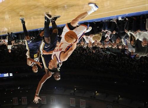 Jeremy LIn upside down
