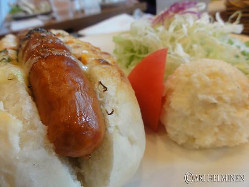 Breakfast hotdog 朝食のホットドッグ