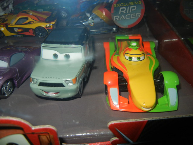 2011 disney store cars 2 20 car set  (5)