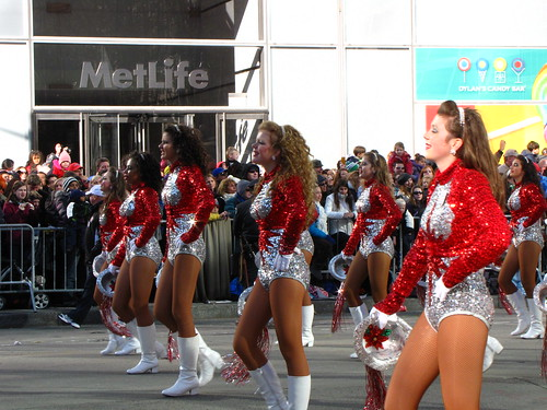 Pretty Girls at 85th Macy's Thanksgiving Parade