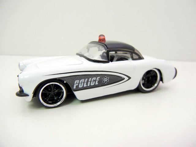 jada toys badge city heat '57 chevy corvette police (2)