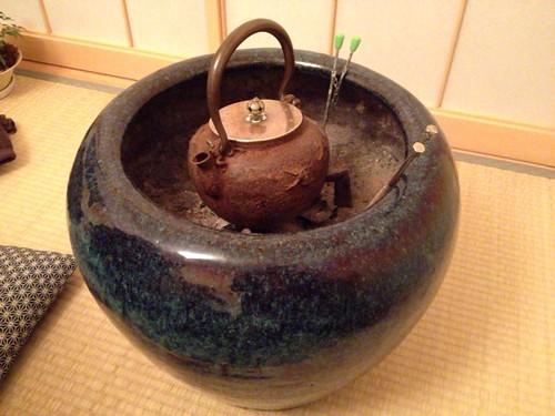 大人の贅沢!『火鉢』のある生活を楽しんでいます (by 奈良に住んでみました)