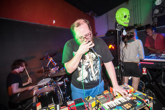 Dan Deacon at Dux Live