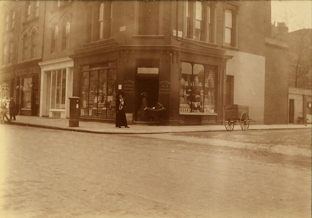 Oakeshotts family grocery store, cnr Old Brompton and Finborough Roads, London - 1908