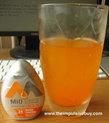 MiO Orange Tangerine Liquid Water Enhancer with Vitamins Closeup