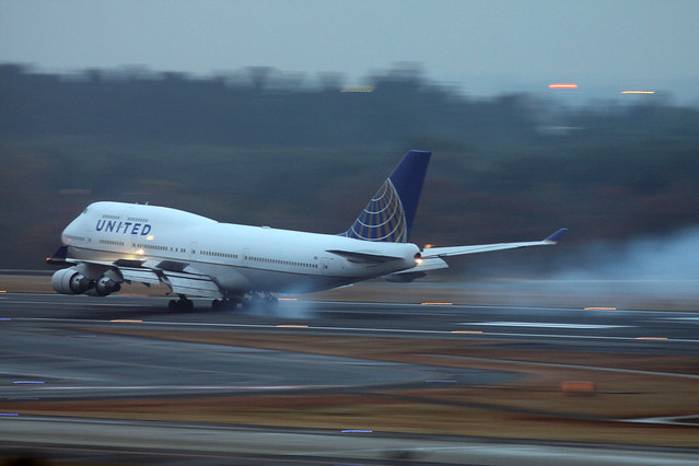 United Airlines B747-400