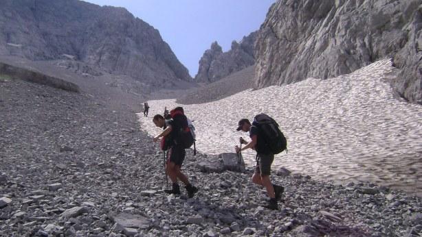 Climbing up qafa e Prozhmit (pass)