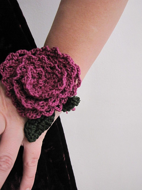 Lace crochet rose