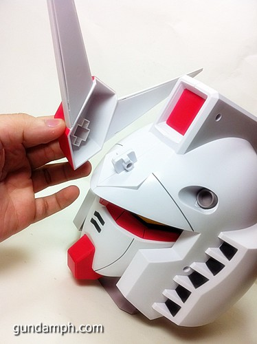 BIG RX-78-2 Gundam Head Coin Bank 30th Anniversary Edition 7-11 (18)