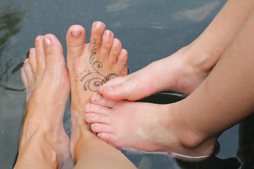 fountain feet
