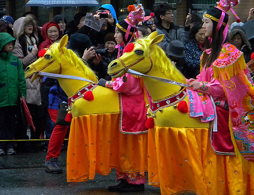 the yellow horse riders