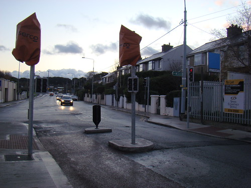 Contra-flow cycle track  Newtown Avenue, Blackrock