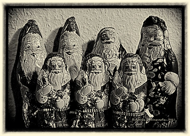#354/365 Santa Claus: Group Photo