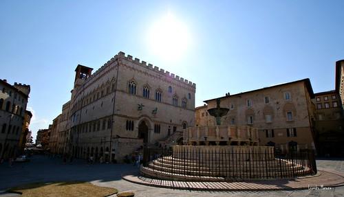 Piazza Maggiore e Palazzo dei Priori