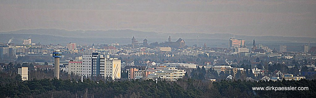 Nürnberger Burg im Abendlicht (vom Fürther Solarberg) by Dirk Paessler