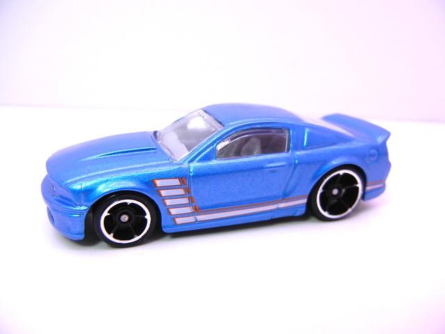 hot wheels holiday 8 packs (6)