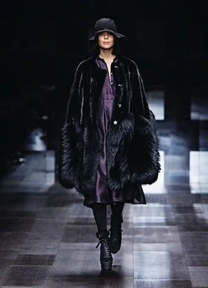 Autumn:Winter 2009 Campaign - Fashion Show (13)