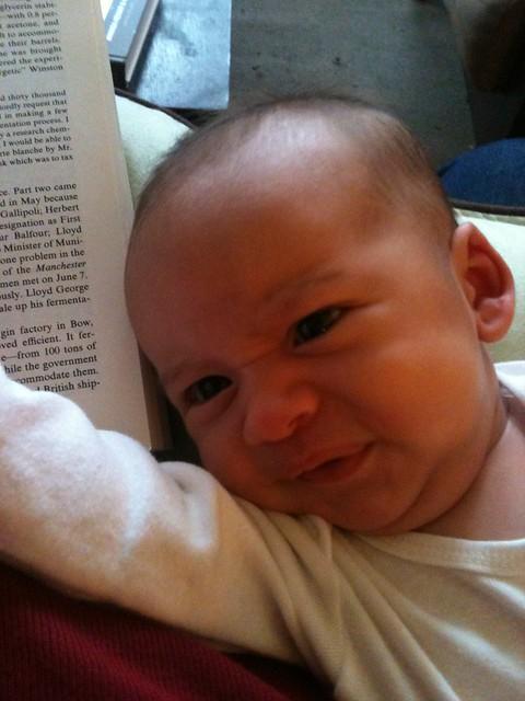 Reading while feeding