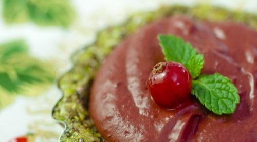 tarta cu mousse de ciocolata si fructe rosii (10 of 11)